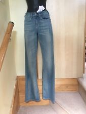 Guess, GIRLS/ Women's Blue Jeans SIZE 26/36, New CONDITION