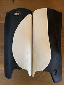 OBO Robo Hi-Rebound Hockey Goalkeeping Legguards (Large) Black And White Goalie