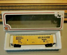 "BACHMANN 76036 HO Scale 51' Plug Door Boxcar ""Milwaukee Road"""