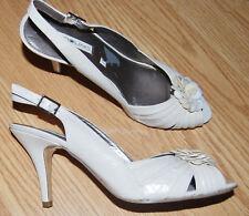 BANDOLINO Ivory LEATHER slingback WEDDING PUMPS heels SHELL flower 9 RENAY NEW