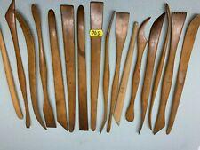 16 anciens outils de potier (mirettes) - lot 590 jaune