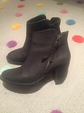 Steve Madden Women's Black Wildeye Booties Size 6