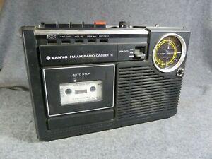 SANYO M2402-3 2-Band Radio Cassette Player Recorder