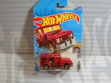 2020 HOT WHEELS ''HW METRO'' #31 = HW ARMORED TRUCK = RED , int