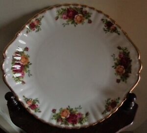 ROYAL ALBERT OCR OLD COUNTRY ROSES CAKE SANDWICH PLATE ENGLAND