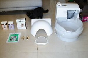 CatGenie Self cleaning litter box with accessories