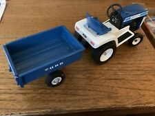 Ford LGT12 Lawn & Garden Tractor Set By Ertl Complete Very Clean Has Tailgate