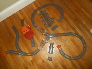 Thomas & Friends GRAY TRACKMASTER TRACK Lot 35pcs Ramp Tunnel Switch