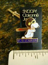 NASA SNOOPY-- NASA FLIGHT RESEARCH CENTER TIE TACK  (NEW ON CARD)
