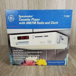 VINTAGE GE GENERAL ELECTRIC SPACEMAKER CLOCK AM/FM RADIO UNDERCABINET 7-4262 NEW