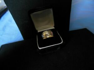 antique 14kt white gold Tradition wedding band....take a look!!!