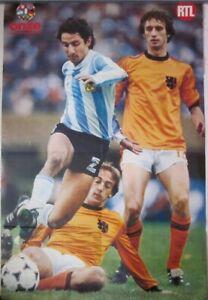 Vintage 1978 double sided Soccer poster ONZE Bertoni Kempes