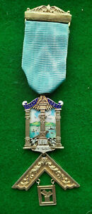 Masonic Vintage SILVER  PAST MASTER Jewel  SOLENT LODGE No.6182   Hampshire Prov