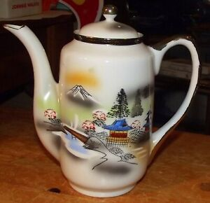 1950's JAPANESE RITZ CHINA HAND PAINTED PORCELAIN COFFEE POT IN VGC