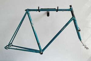 Classic Vintage Raleigh Gran Sport Road Bike Frame With Part Chromed Forks F18)