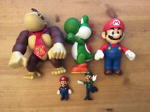 Nintendo Super Mario Brothers 5 Figures Mario, Donkey Kong, Yoshi, Mario & Luigi