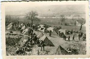 Photo allemande guerre WW2 -- Soldats allemands avec nombreuses zeltbahn