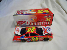 2002 Jeff Gordon Dupont 200 years 1:24 Scale Diecast Nascar Black Window Bank
