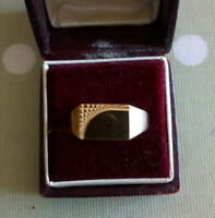 NEW  Solid 9ct Gold GENTS Signet Ring  SIZE S/T