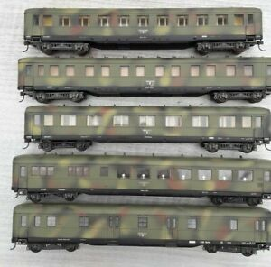 Liliput No.837 H0 Set of 5 x WW2 DR German Military Coaches in Camouflage Livery