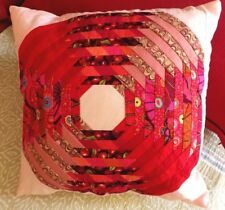 Coussin rose et rouge original et artisanal