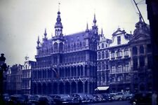 35mm slide 1952 - BELGIUM - Brussels ~ GRAND PLACE ~ Grote Markt ~ Classic cars
