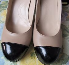 Tahari Laura Leather Pump Women's Shoes Size 9 M Taupe Black Heel and Toe