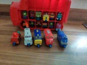 Chuggington Wilson Carry Case with 17 trains   carriages Bundle