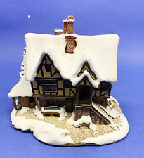 Lilliput Lane Yuletide Inn - Mint Condition w/box #Ll8