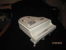 White Baby Grand Piano Music - Jewlery Box - Plays Laura's Theme - Love Story