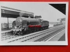 PHOTO  SR EX LSWR CLASS H15 LOCO NO 30488 AT CLAPHAM JUNCT 5/58