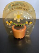 Solar Powered Dancing Daisy & Butterflies in PINK Flower Pot Bobble Head Toy NEW