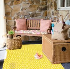 New Outdoor Yellow and White Plastic Rug ( 4ft x 6ft )