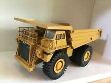 Caterpillar 789 Muldenkipper von Conrad 2725 in 1:50