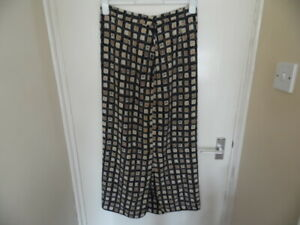 Ladies Long Slim Square Pattern Skirt with Side Split & Side Buttons Size 14