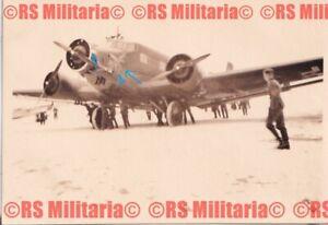 Flugzeug Ju 52 mit unbekannten Staffelwappen Adler + Weltkugel ? #2