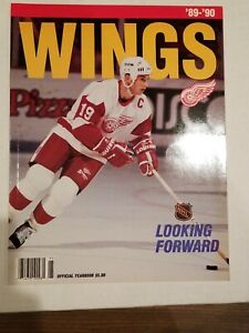 1989-90 DETROIT RED WINGS YEARBOOK YZERMAN COVER