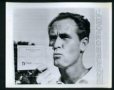 Tony Lema kisses check winning 1964 World Series of Golf Tournament Press Photo