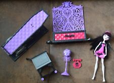 Monster High Draculaura Con Accesorios Bundle ataúd Cama Aparador Etc