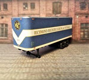 HO Scale. Custom designed RF&P 30' Piggyback trailer 1