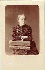 Format Cabinet : Chapiro ; Dame de la bourgeoisie de St Petersbourg , vers 1885