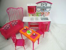 BARBIE FURNITURE  GLAM DINING TABLE FLIP CHAIRS KITCHEN CENTER SINK STOVE COUCH