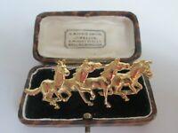 VINTAGE 3D 4 GALLOPING HORSES GOLD TONE BROOCH SHAWL PIN.