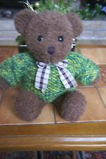 petit ours brun avec son pull tricoté main hauteur 37cm