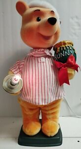 Disney Winnie The Pooh Telco motion-ette Christmas display figure