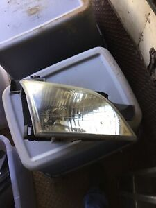 1998 PONTIAC TRANS SPORT PASSENGER SIDE HEADLIGHT