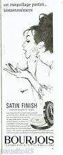 PUBLICITE ADVERTISING 026  1964  Bourjois  maquillage poudre Satin Finish