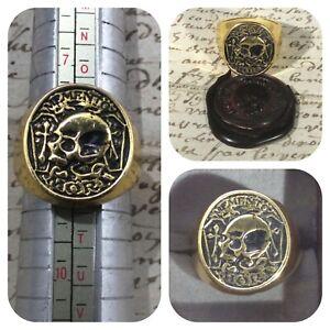 Memento mori skull signet ring