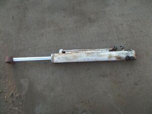 bobcat 825 skidsteer tilt cylinder bucket cylinder RH