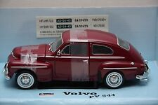 Volvo PV 544 Buckelvolvo rot Revell  1:18 OVP